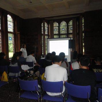 http://www.cambridgedream.com/wp-content/uploads/2015/03/Academic-English-Lecture1.jpg