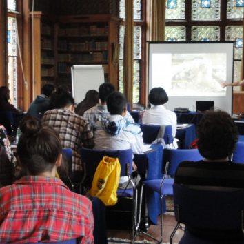 http://www.cambridgedream.com/wp-content/uploads/2015/03/Archaeology-Lecture1.jpg