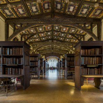 http://www.cambridgedream.com/wp-content/uploads/2015/03/Bodleian-Library-Oxford.jpg