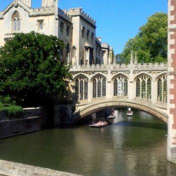 http://www.cambridgedream.com/wp-content/uploads/2015/03/Bridge-of-Sighs-St.-Johns-College-Cambridge-1.jpg
