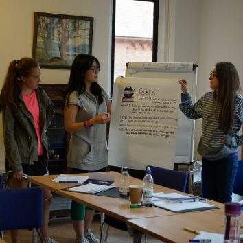 https://www.cambridgedream.com/wp-content/uploads/2015/03/Business-Challenge-Workshop8.jpg