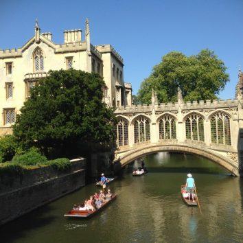 http://www.cambridgedream.com/wp-content/uploads/2015/03/Cambridge-Punting5.jpg