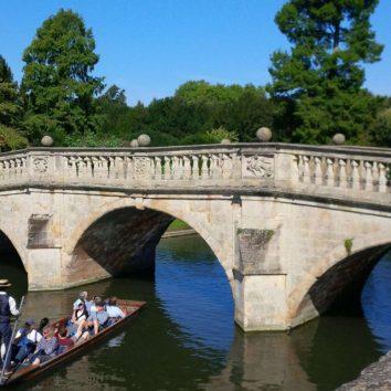http://www.cambridgedream.com/wp-content/uploads/2015/03/Clare-College-Bridge-Cambridge-1.jpg