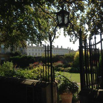 http://www.cambridgedream.com/wp-content/uploads/2015/03/Clare-College-Cambridge1-1.jpg