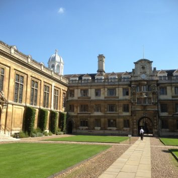 https://www.cambridgedream.com/wp-content/uploads/2015/03/Clare-College-Cambridge4-1.jpg