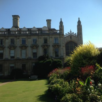 http://www.cambridgedream.com/wp-content/uploads/2015/03/Clare-College-and-Kings-College-Cambridge-1.jpg