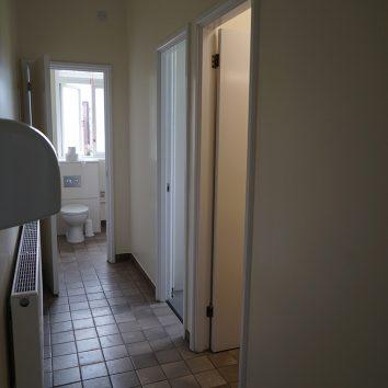 https://www.cambridgedream.com/wp-content/uploads/2015/03/Girton-Bathroom2-2.jpg
