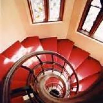 http://www.cambridgedream.com/wp-content/uploads/2015/03/Girton-Spiral-Staircase.jpg