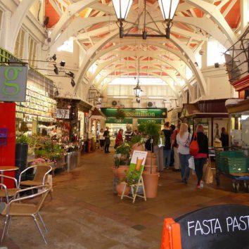 http://www.cambridgedream.com/wp-content/uploads/2015/03/Indoor-Market-Oxford.jpg