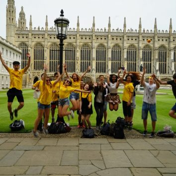 http://www.cambridgedream.com/wp-content/uploads/2015/03/Kings-College-Cambridge3-1.jpg