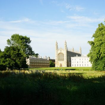 http://www.cambridgedream.com/wp-content/uploads/2015/03/Kings-College-Cambridge4-1.jpg
