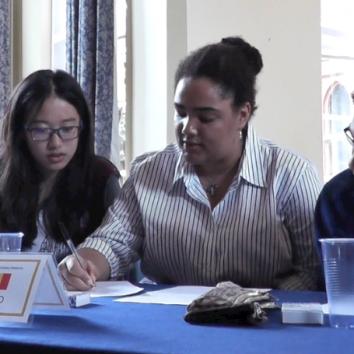 https://www.cambridgedream.com/wp-content/uploads/2015/03/MUN-Debating-Workshop14.png