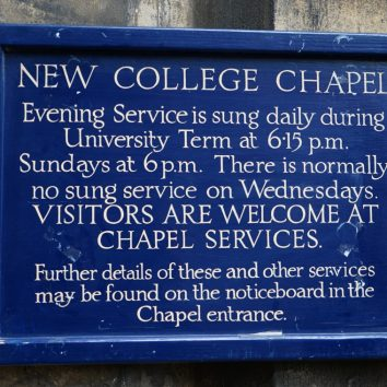 http://www.cambridgedream.com/wp-content/uploads/2015/03/New-College-Chapel-Oxford1.jpg