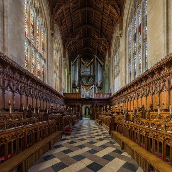 https://www.cambridgedream.com/wp-content/uploads/2015/03/New-College-Chapel-Oxford2-1.jpg