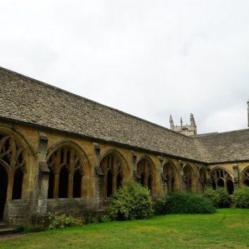 http://www.cambridgedream.com/wp-content/uploads/2015/03/New-College-Oxford2.jpg