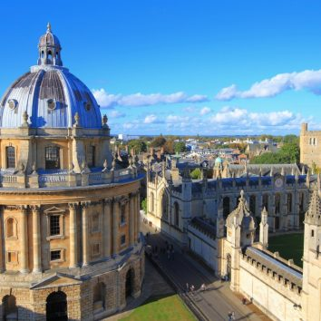http://www.cambridgedream.com/wp-content/uploads/2015/03/Radcliffe-Oxford.jpg