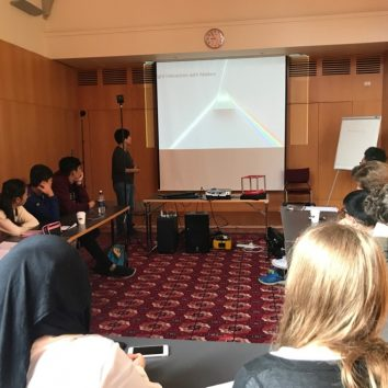 http://www.cambridgedream.com/wp-content/uploads/2015/03/STEM-Nano-Manufacturing-and-Virtual-Reality-Workshop-2.jpg