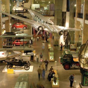 http://www.cambridgedream.com/wp-content/uploads/2015/03/Science-Museum1.jpg