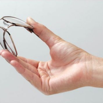 http://www.cambridgedream.com/wp-content/uploads/2015/03/Smart-Materials-Shape-Memory-Alloy.jpg