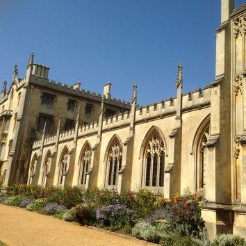 https://www.cambridgedream.com/wp-content/uploads/2015/03/St.-Johns-College-Cambridge1-1.jpg