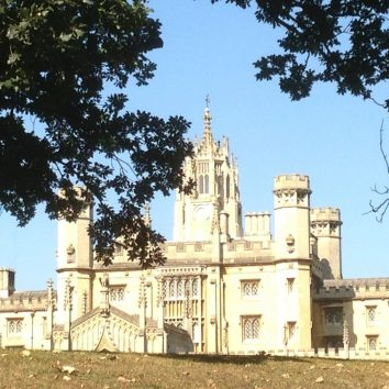 https://www.cambridgedream.com/wp-content/uploads/2015/03/St.-Johns-College-Cambridge8.jpg