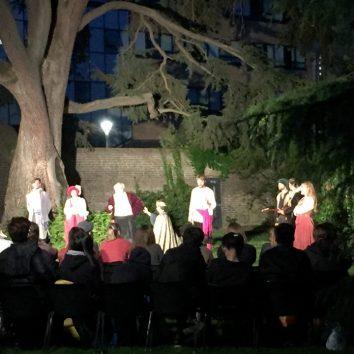 https://www.cambridgedream.com/wp-content/uploads/2015/03/Workshops-Shakespeare-Workshop-4.jpg