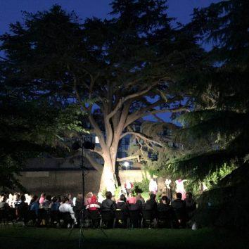 http://www.cambridgedream.com/wp-content/uploads/2015/03/Workshops-Shakespeare-Workshop-5.jpg